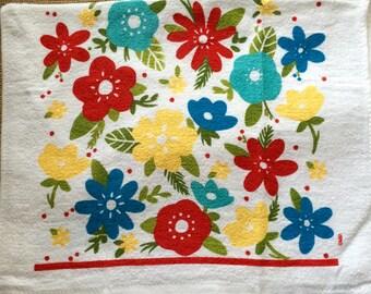 Bright Flowers Crochet Top Towel (R30)