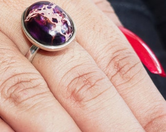 Colorful Gemstone Ring with an oval shaped purple Pietersite - Sterling Silver 925 size 8 (GR48)