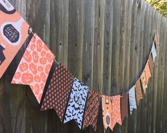 Halloween Pennant Banner - Party Decoration - Garland - Fall - October Bunting - Classroom Decor