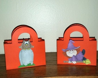 Party favor bags, Halloween party favor treat bag, candy holders, halloween party favors, Halloween goody bags