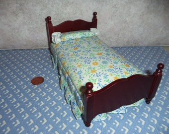 1:12 scale Dollhouse Miniature twin bed Cherry color wood