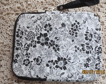 "Tablet Bag. NEW  10 1/2""  x 8 1/2""  x 1"""