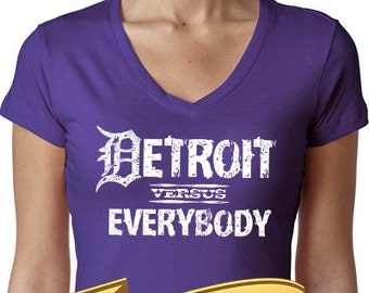 detroit vs (versus) everybody women's v-neck shirt - large or small D