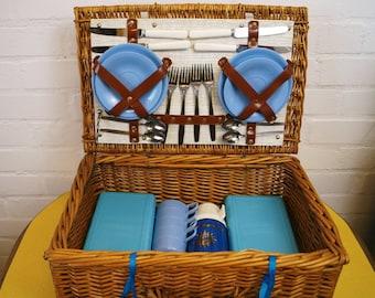 1950s' picnic hamper