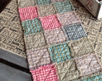 Homespun Rag Tablerunner