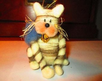 Handmade Lamb's Wool Cat Ornament