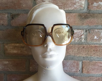 woman PERSOL vintage sunglasses, 1970, oversize, woman sunglasses, NOS, new old stock, Jackie O's
