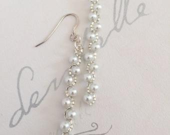 Bead woven Pearl Earrings, White Beaded Earrings, Delicate Seed Bead Earrings, Statement Earrings, Gift for Her, Bridesmaid Earrings