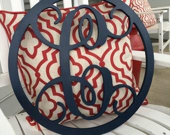 PAINTED Single Vine Monogram w Circle Border