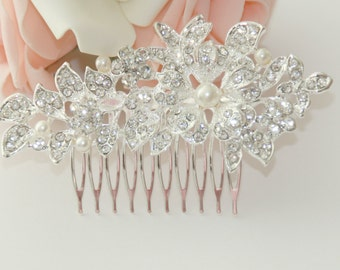 Bridal rhinestone flower hair comb with pearls
