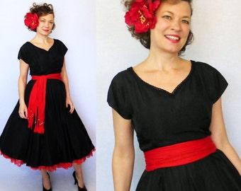 """50s Dress / 1950s Dress / 50s Day Dress / 1950s Day Dress / Classic Dress / New Look / Steampunk Dress / Goth Dress / Taffeta Dress / W 30"""""""