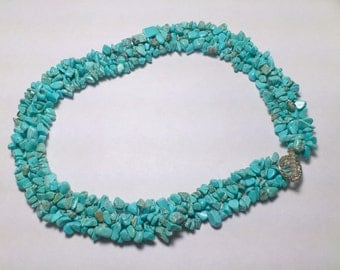 Braided necklace with turquoise chips
