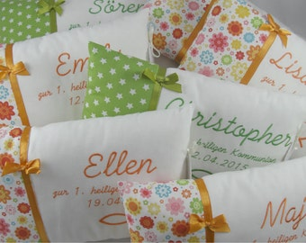 "Name cushions ""Communion"" or ""Confirmation"" small"