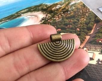 20pc antique bronze zinc alloy fan shape glue on bails 25mmx17mm