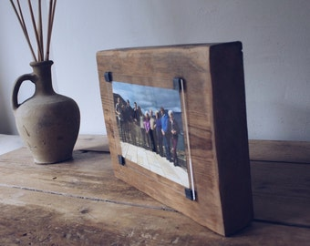 Reclaimed wood photo frame - 60th birthday gift - wooden picture frame  - photo gift idea - rustic photo frame  - rustic home decor -
