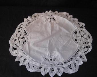 White round battenburg lace doily, Imperial Elegance, vintage 70s doily, shabby cottage chic decor, 13 inch