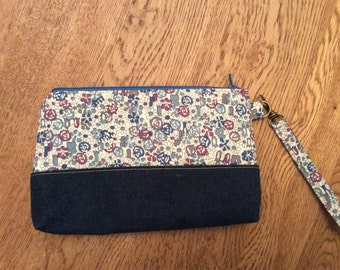 Denim/floral wristlet bag