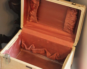 Vintage Train Case - Antique Luggage with Satin Interior - Travel Case