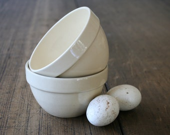 Cream Ceramic Mixing Bowls Small Size Stoneware Kitchenalia Food Photography Prop Off-White Made in Romania