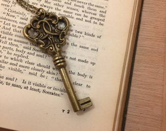 Steampunk Skeleton Key Necklace - Victorian - Edwardian - Cosplay Costume Bronze Antique Key Necklace - Old Key - Steampunk Boho Jewelry -