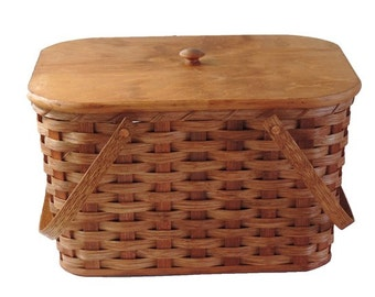 Amish Handmade Medium Picnic Basket with Inside Tray, Lid, and Two Swinging Handles