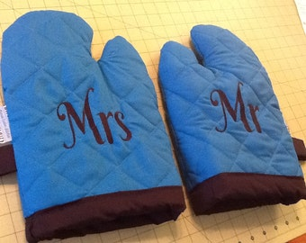 """Set of Quilted Embroidered """" Mr and Mrs"""" Oven Mitts"""