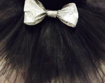 black tutu with gold glitter bow, glitter tutu, black tutu, infant tutu, baby tutu, newborn tutu,black glitter bow, black silver tutu