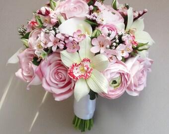 Cherry blossom bouquet, sakura bouquet, bridal bouquet, alternative bouquet.Ranunculus bouquet.