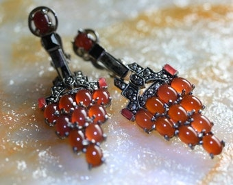 Salmon Pink Vintage Weinberg NY Dangle Clip Earrings