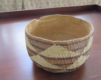 """Native American Indian bowl basket from Lower Klamath River, 8"""" diameter  N. California"""
