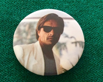 """RARE Vintage 1984 """" Miami Vice""""  Sonny Crockett -Don Johnson collectible pin/button"""