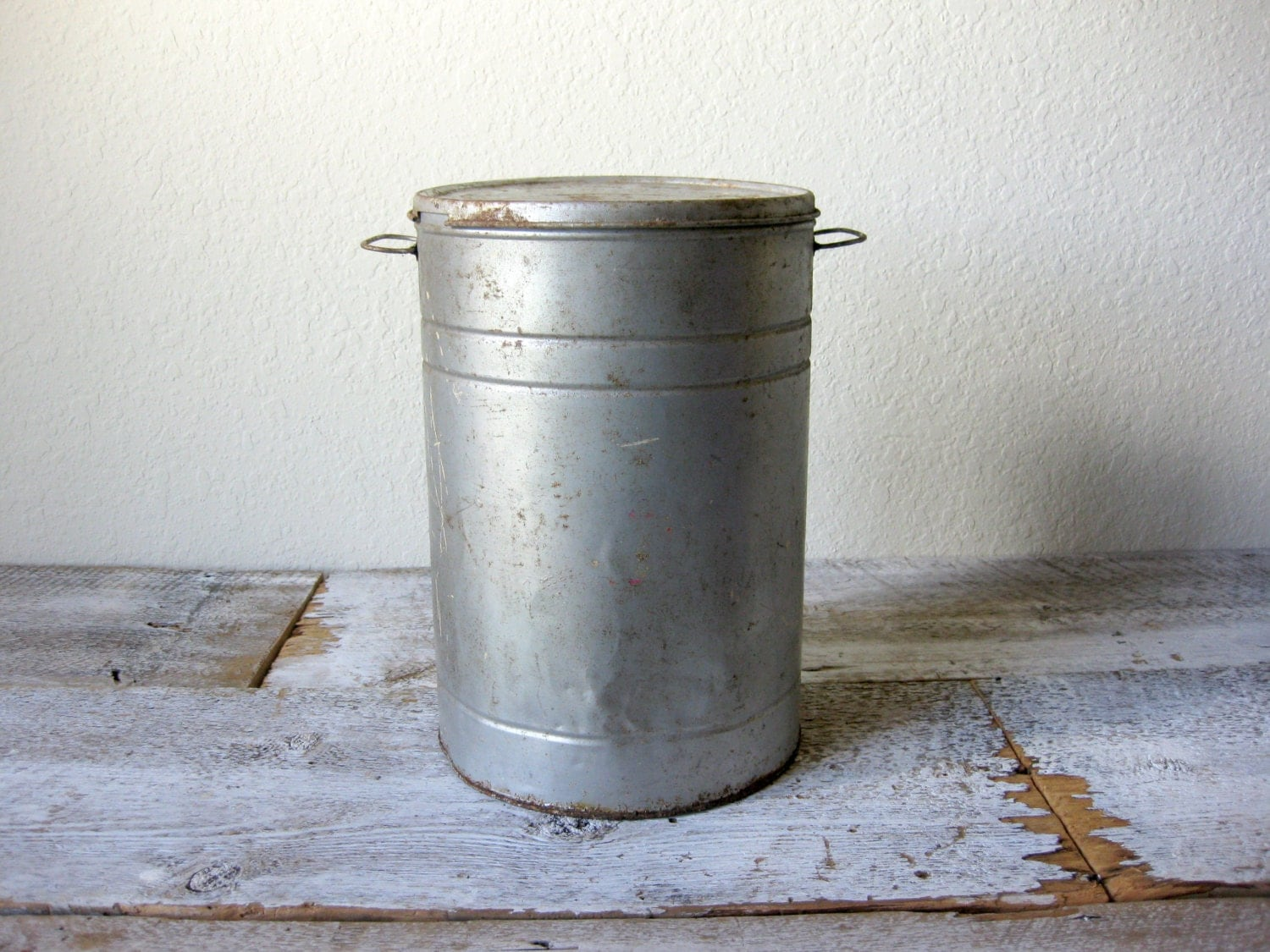 Vintage tall metal bucket with lid galvanized bucket for Old metal buckets