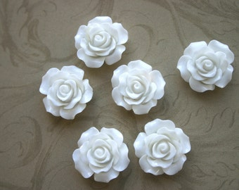 10 White Resin Roses 20mm Cabochons, Winter White Rose, Wedding Roses, Nature