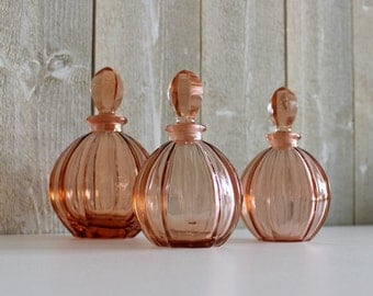 Antique perfume bottles, Pink glass perfume bottles, Pink depression glass, 1930s, Art Deco, Perfume bottles vintage, D424