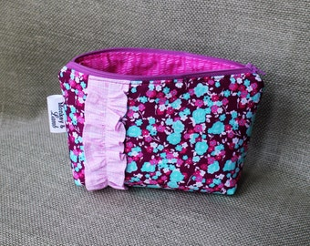 Lined Zippered Pouch – Pink Flowers