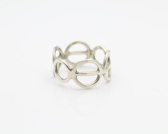 Handcrafted Open Circle Band Ring in Sterling Silver Size 5.5. [10617]