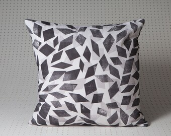 Abstract cushion 8