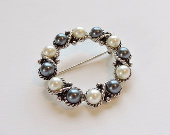 Vintage Signed Avon Brooch, Faux Pearl Wreath Brooch, Black Pearl, White Pearl Pin, Avon Jewelry, Glass Pearl Estate Costume Jewelry,