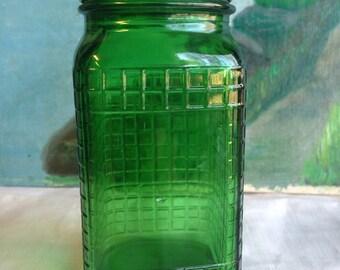 1930's Green Crisscross Pattern Hoosier Shaker, Owens Illinois