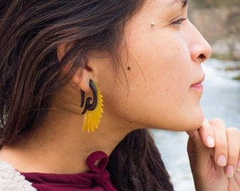 tribal wings plugs, gauded earrings, wood and shell, wins earrings