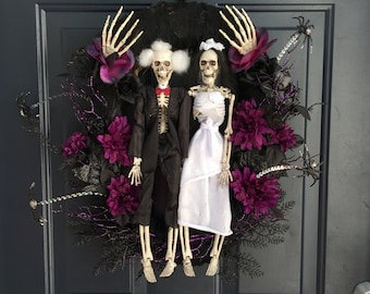 Skeleton Halloween wreath for front door, scary  Halloween wreath, purple black Halloween wreath for front door, skeleton wreath