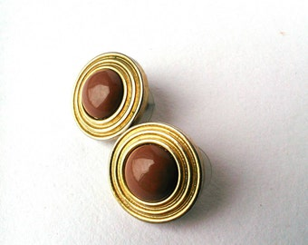 Round Brown And Gold Vintage Clip On Earrings