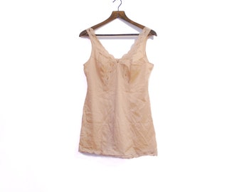 Beige Vintage Lingerie Top With Modest Lace