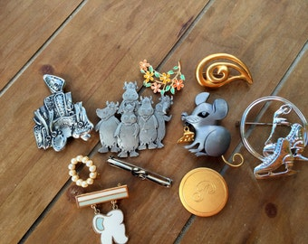 Brooch Lot, Vintage Jewelry, Skating Pin, Jewellery Collection, Figural Brooches, Enameled Flowers, SAlle Brooch, Jewelry Pin Lot