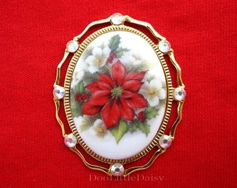 Old Fashioned CHRISTMAS Poinsettia & Holly Berries Porcelain Cameo Goldtone Pin Brooch Pendant with Swarovski AB Crystals for Christmas Gift