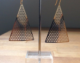 Glossy gold triangle mesh earrings