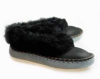Mens SHEEPSKIN SLIPPERS Moccasin Leather Boots Moccasins for Men House Sheepskin Slippers Handmade Shoes Wool Slippers BEST slippers house