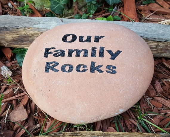 Landscape Rock With Engraving : Presents for parents family rocks name garden