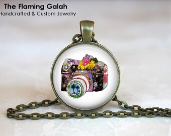 Vintage Camera Pendant. Photography Photographer.  Necklace /Key Ring. Gift Under 20. Handmade in Australia (P0800)