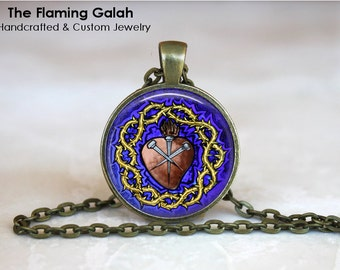 SACRED HEART Pendant • Sacre Coeur • Flaming Heart • Jesus Christ • Gift Under 20 • Made in Australia (P1112)